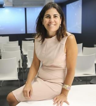 María Jesús Almazor es actualmente CEO de Ciberseguridad y Cloud de Telefónica Tech